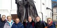 socha sv. Jána Pavla II. pred katedrálou vo Wadoviciach