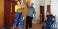 Pán Kulíšek hrá príbeh o loptičke